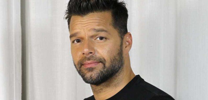 Langeweile: Ricky Martin trägt seinen Bart nun hell