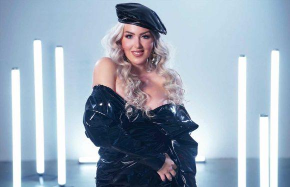"""Lydia Kelovitz präsentiert Single """"Tinderellas"""" und Video"""