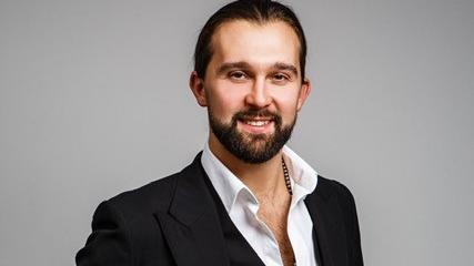 Let's Dance 2021: Profitänzer Pasha Zvychaynyy ist neu im Cast
