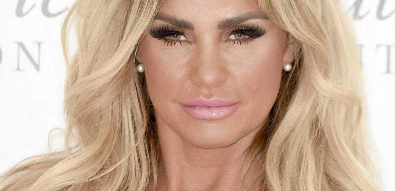 Katie Price zeigt sich ohne blonde Perücke