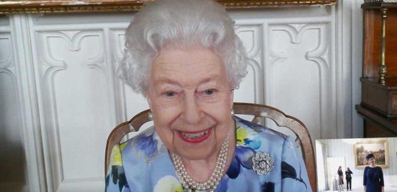 Erster Auftritt nach Prinz Philips Trauerfeier: Queen Elizabeth kann wieder lächeln