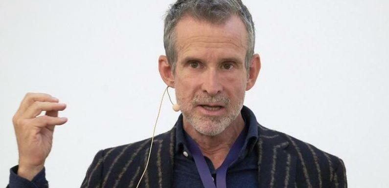Filmakademiechef Ulrich Matthes kritisiert #allesdichtmachen
