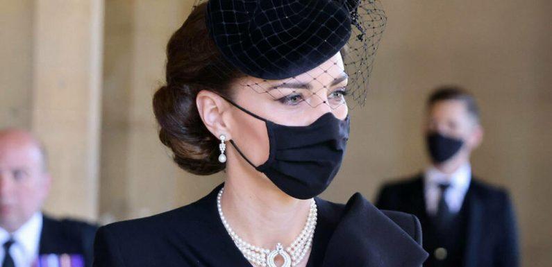 Herzogin Kate trug Schmuck mit Symbolkraft beim Abschied von Prinz Philip