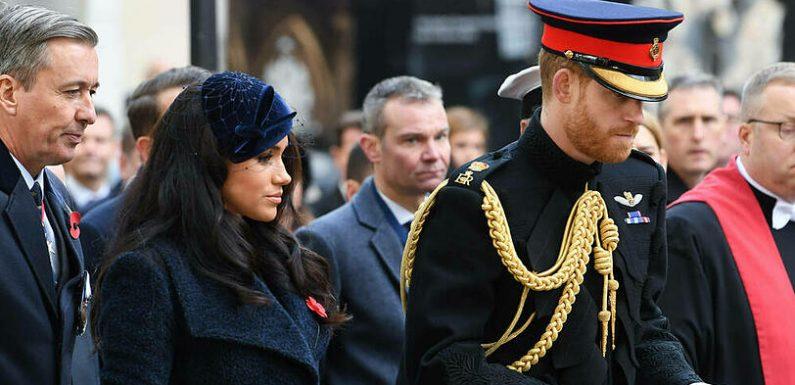 Herzogin Meghan gab Prinz Harry handgeschriebene Trauerkarte mit