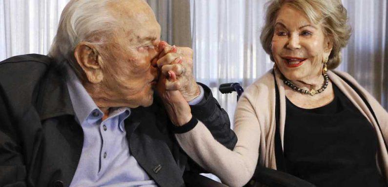 Kirk Douglas' Witwe Anne ist tot – Michael Douglas trauert
