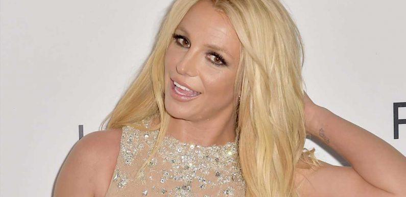 Britney Spears fährt mit cooler neuer Haarfarbe ihre Krallen aus