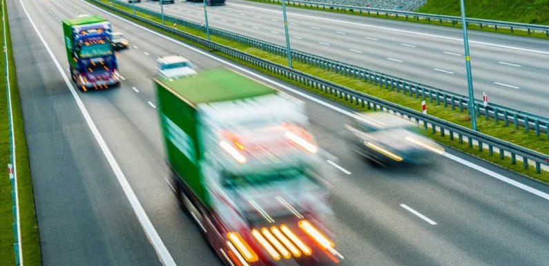 Polizei warnt: Warum Sie niemals kurz vor einem Lkw einscheren sollten!
