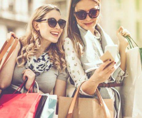 Amazon Prime Day: Sicher dir 20 Prozent Extra-Rabatt auf Fashion-Pieces!