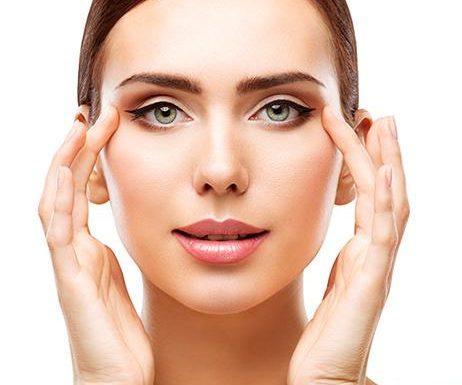 Augenfalten: Diese Massage-Geräte zaubern dir einen strahlenden Blick