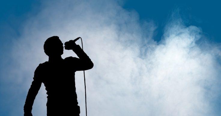 Britischer Sänger verhaftet: Prügel-Vorwürfe gegen Popstar! Er soll seine Freundin attackiert haben