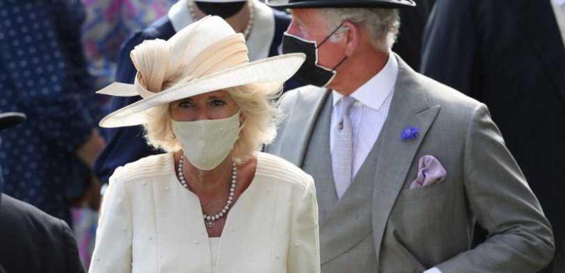 Camilla und Charles tanzen beim Royal Ascot aus der Reihe