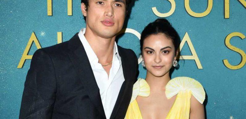 """Sind """"Riverdale""""-Stars Camila und Charles wieder ein Paar?"""