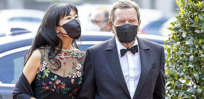 Von Soyeons Ex-Mann verklagt: Gerhard Schröder muss ihn entschädigen
