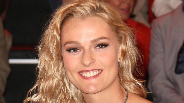 Wieder verletzt: Ex-Stuntfrau Miriam Höller muss einen Gips tragen