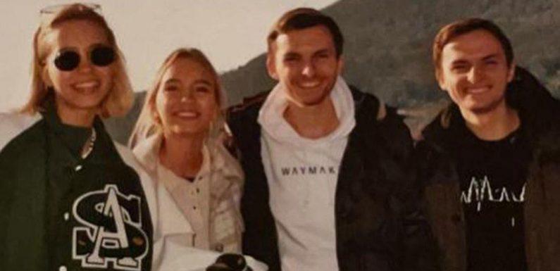 YouTube-Star Philipp Mickenbecker († 23): Zwillinge Lisa und Lena nehmen unter Tränen Abschied