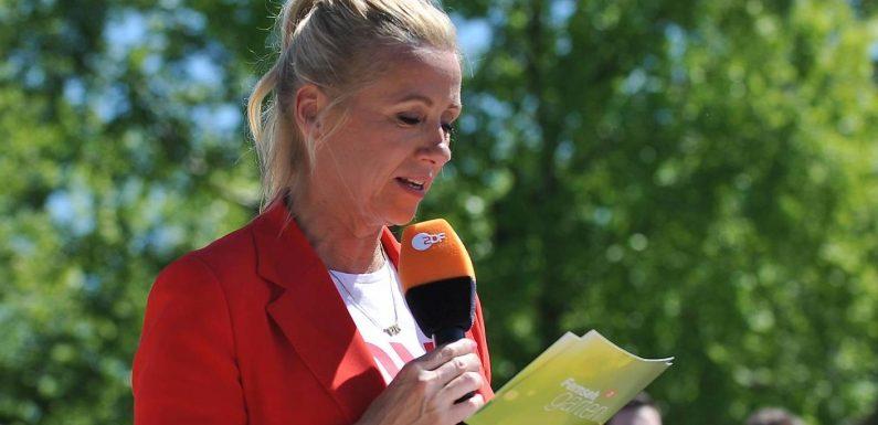 """Andrea Kiewel pflaumt im """"Fernsehgarten"""" Zuschauer an"""