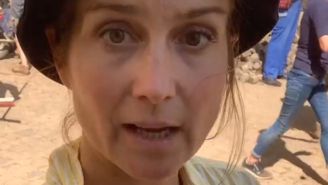 Aufräumarbeiten nach Flut: RTL-Moderatorin Susanna Ohlen packt in Bad Münstereifel mit an