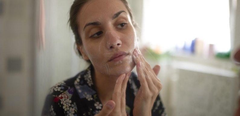 So wirksam wie Sonnencreme? Beauty-Produkte mit Lichtschutzfaktor im Hautarzt-Check
