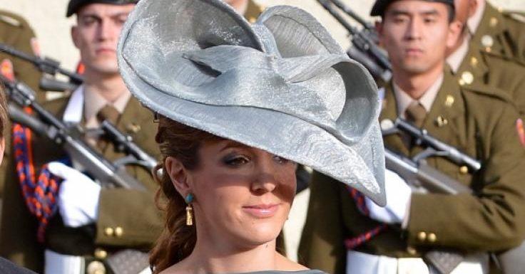 Tessy von Luxemburg: Royales Bond-Girl! Ex-Prinzessin genießt Wellenbad im Bikini