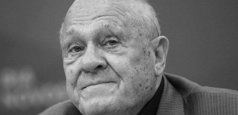 Wladimir Menschow: Russischer Regisseur stirbt an Corona