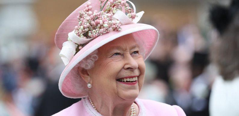 Queen Elizabeth: So schmuggelte sie ihren Corgi auf ihre Hochzeit