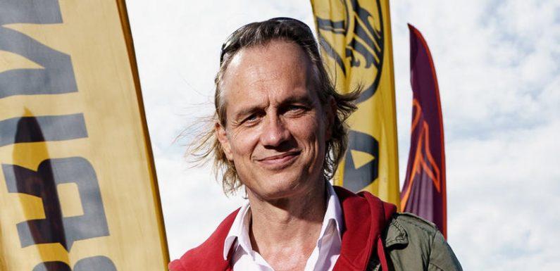 """Sexy! Schauspieler Ralf Bauer bekommt für Film """"Sem Dhul– Die Wiederkehr"""" Poledance-Unterricht"""