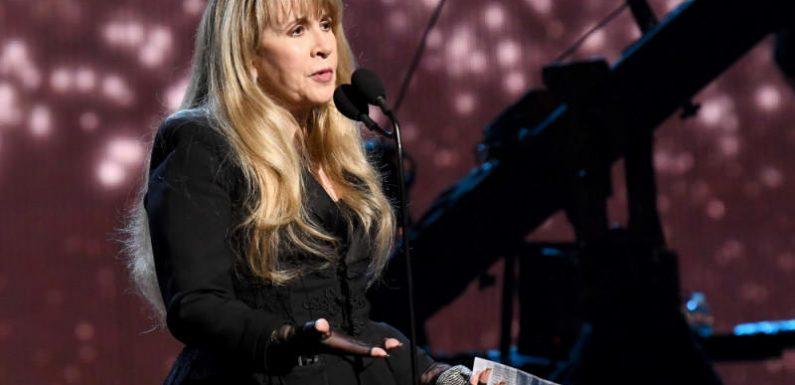 Stevie Nicks sagt alle ihre Konzerte für das Jahr 2021 ab