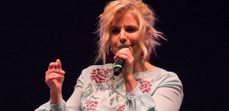 """Beatrice Egli erobert mit """"Alles was du brauchst"""" Platz 1 der Charts"""