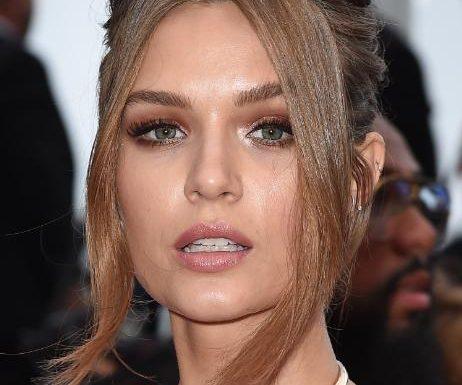 Beauty-Trend 2021: Auf diese 7-Euro-Mascara schwören internationale Models