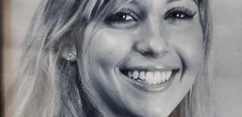 Cathy Hummels strahlt über beide Ohren: Auf diesem Throwback-Foto ist sie kaum wiederzuerkennen