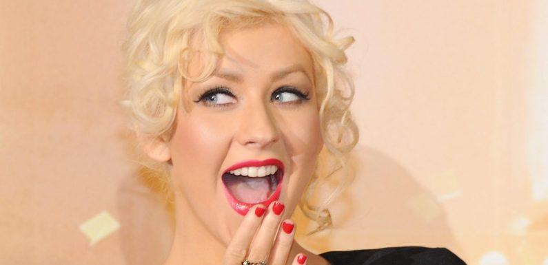 Christina Aguilera posiert oben ohne: Xtina steckt immer noch in ihr!