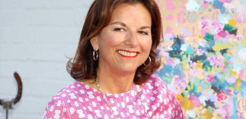 Claudia Obert begeistert Fans mit Oben-ohne-Retrofoto