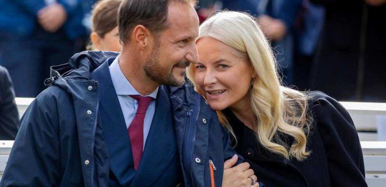 Mette-Marit und Haakon zeigen sich verliebt in der Öffentlichkeit