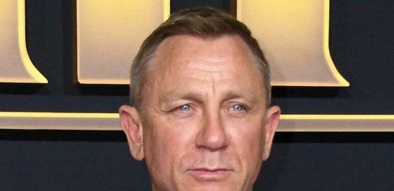 Navy ernennt ihn zum Ehrenkommandanten