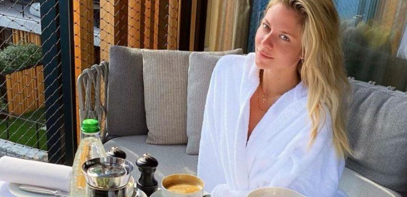 """Valentina Pahdes Bild sorgt für Aufsehen: """"Tatsächlich genau dasselbe Geländer wie auf dem Foto von Rúrik"""""""