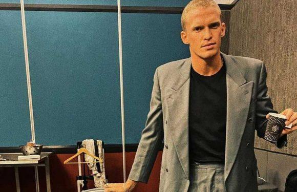 Beule in der Hose: Cody Simpson betont sein bestes Stück