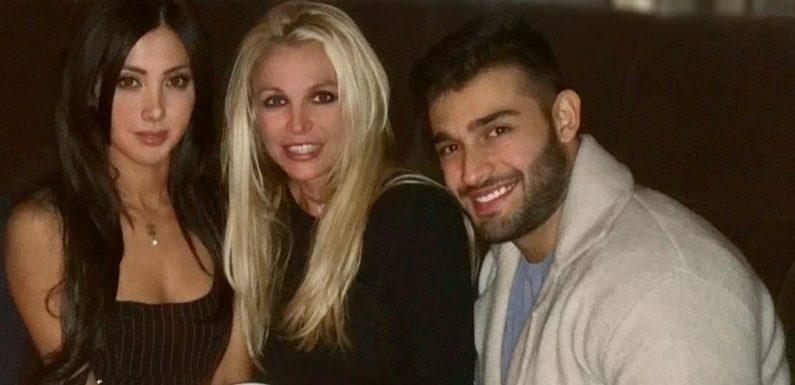 Britney Spears und Sam Asghari feiern ihre Verlobung zusammen mit seiner Schwester Fay