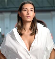 Foundation: Dieses 4-Euro-Make-up aus der Drogerie mattiert wie ein Puder